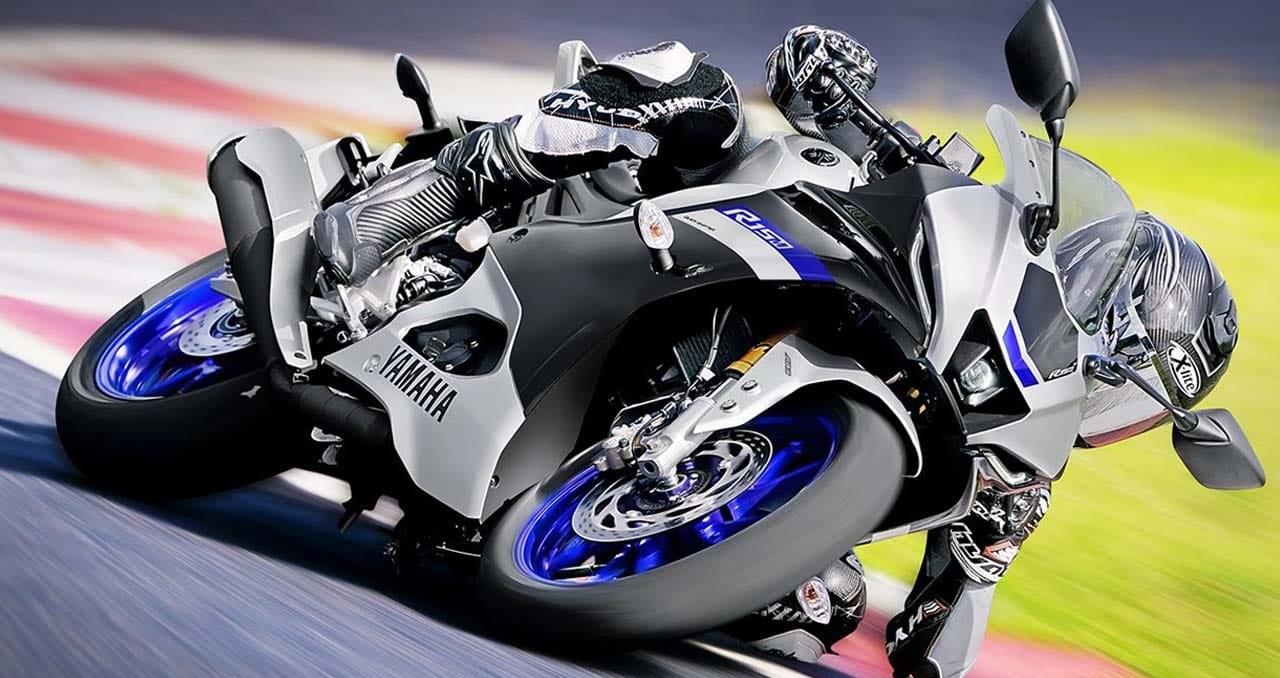 身披超频规格亮相!雅马哈YAMAHA「YZF-R15M/YZF-R15」-第1张图片-春风行摩托车之家