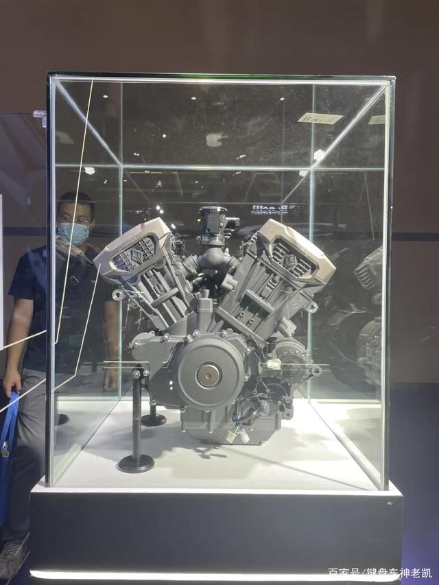 奔达继续发力,直列四缸之后越级推出两款V型四缸发动机-第4张图片-春风行摩托车之家