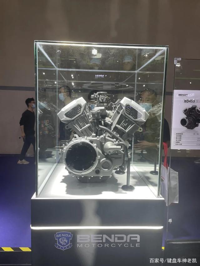 奔达继续发力,直列四缸之后越级推出两款V型四缸发动机-第2张图片-春风行摩托车之家